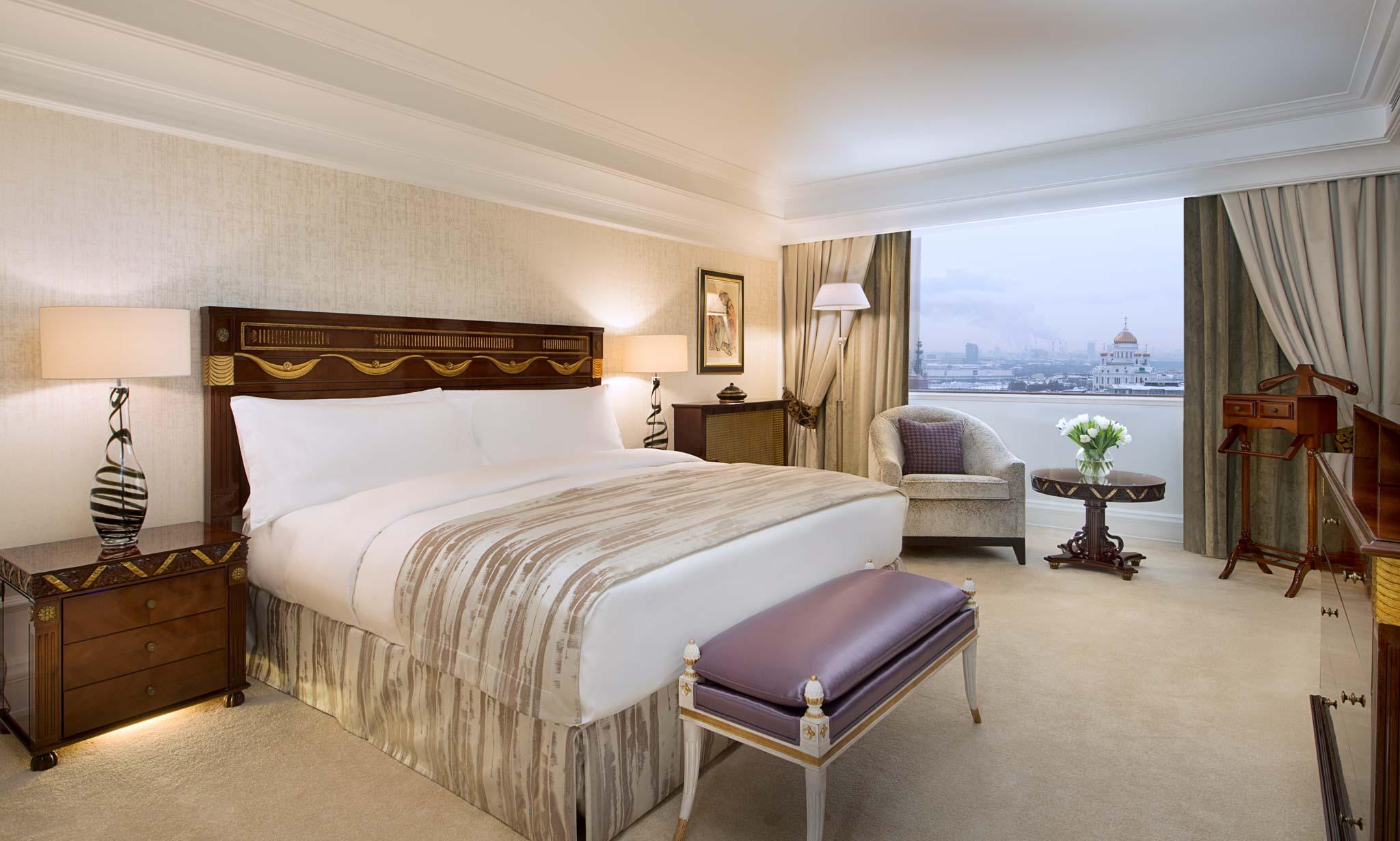 Hotel Photographer - Ritz Carlton Moscow Luxury Bedroom