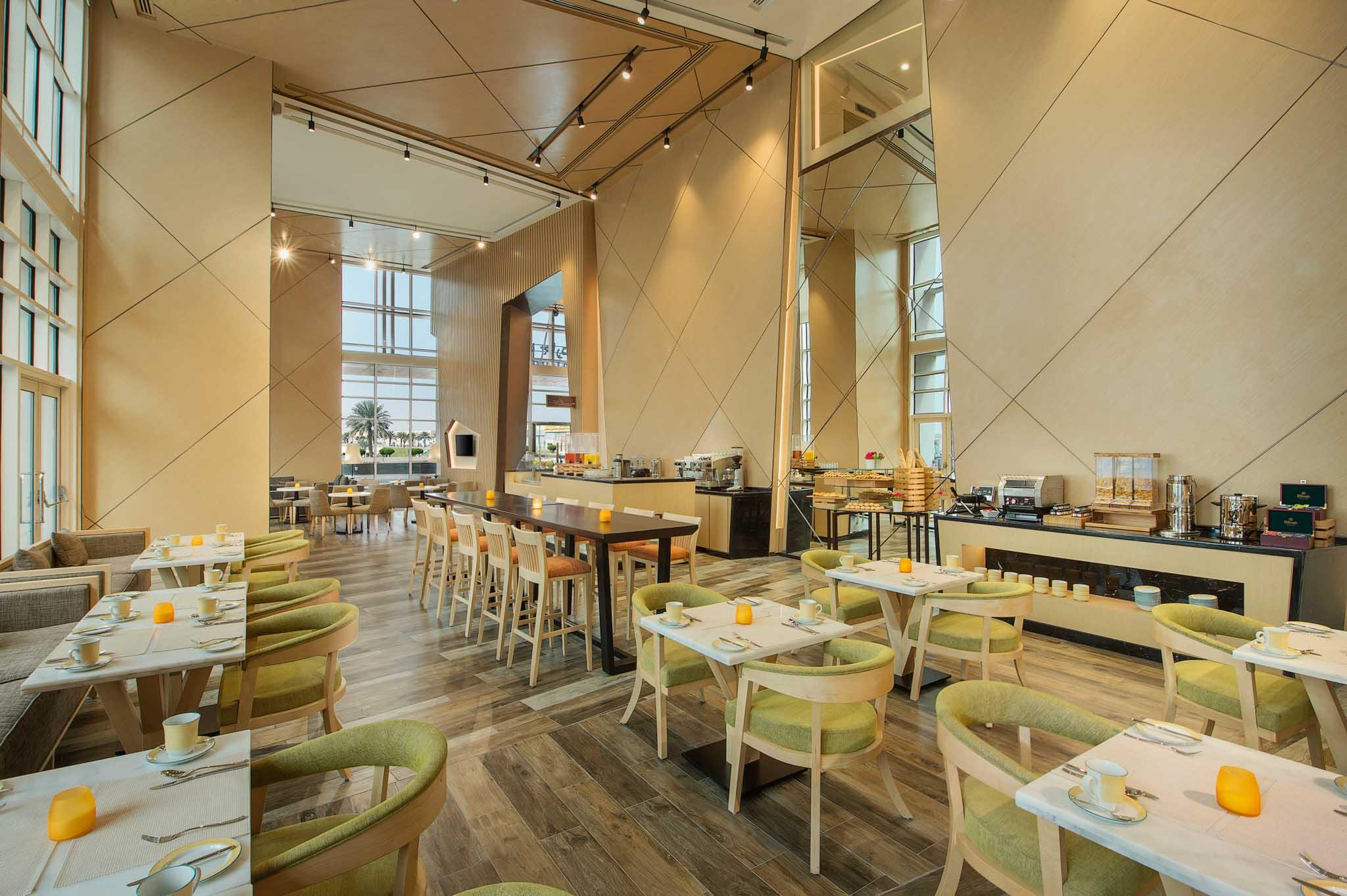 Hotel Photographer - Hilton Garden Inn Dining Al Khobar